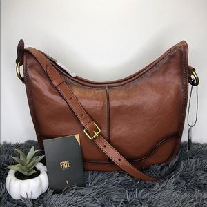 FRYE LEATHER MESSENGER LUCY SADDLE